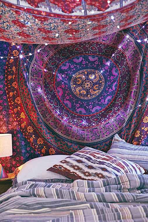 overhead-tapestry-light-bed